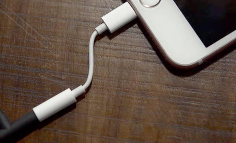 iphone 7 adaptor casti dezactivare