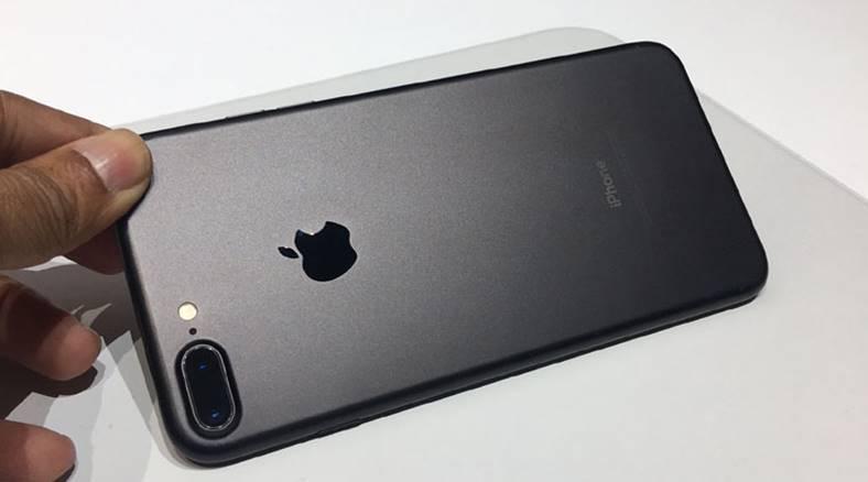iphone 7 plus 3 gb ram confirmati