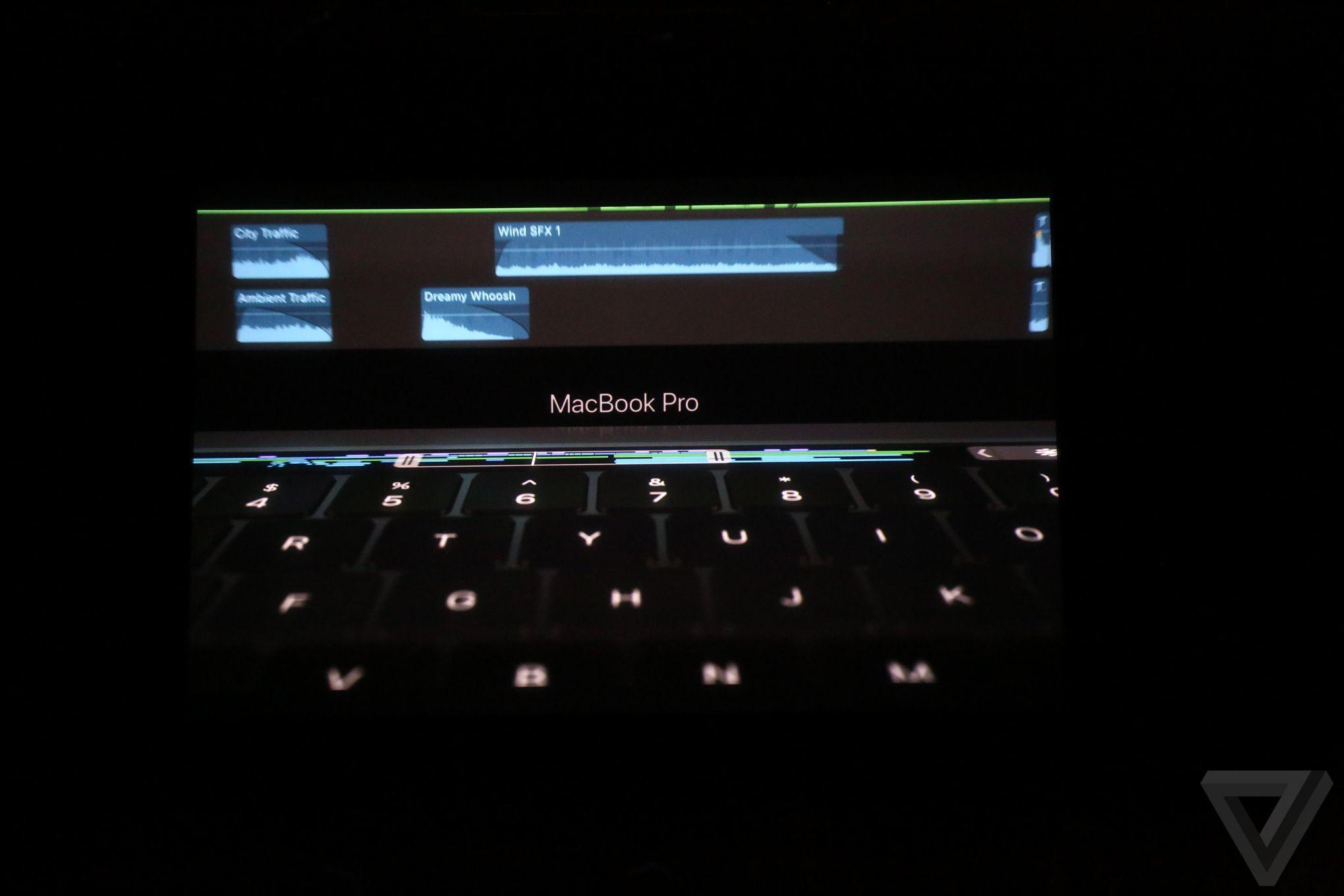 macbook-pro-2016-oled