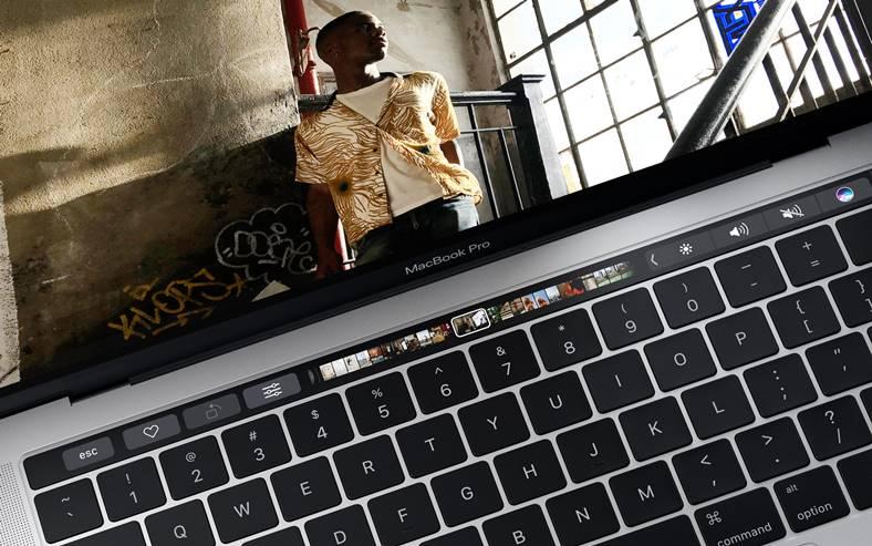 macbook-pro-touch-bar-ios