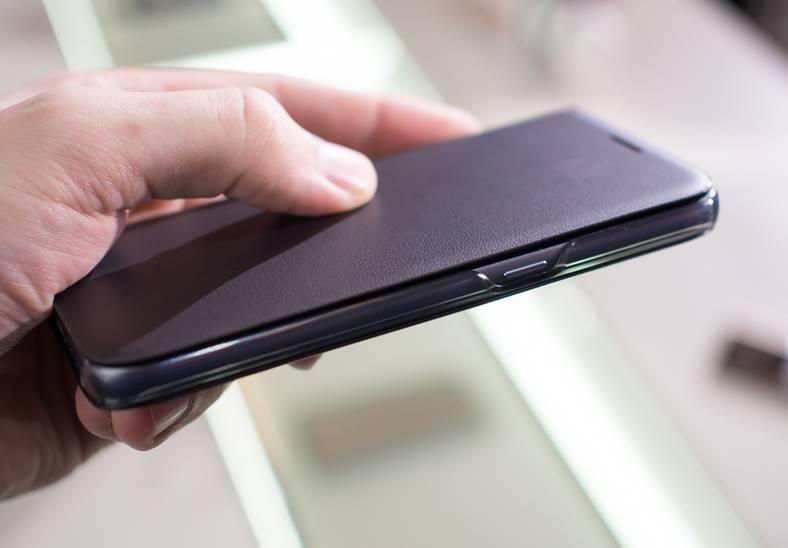 emag-husa-smartphone-3-lei