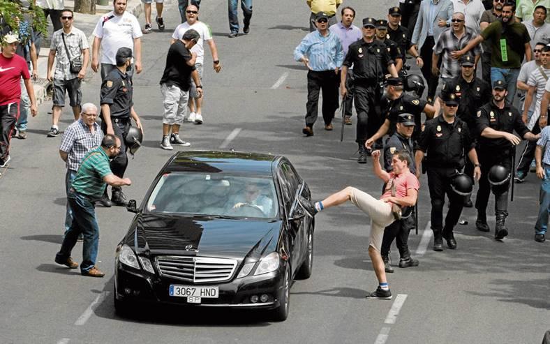 Protest Taximetristi: PROTEST MARE AL TAXIMETRISTILOR LA BUCURESTI