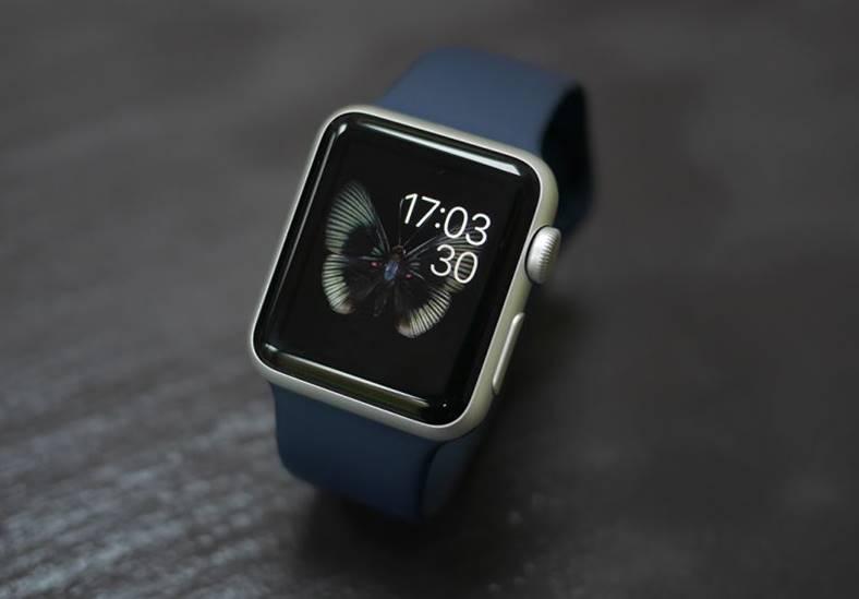 apple watch vanzari fitbit