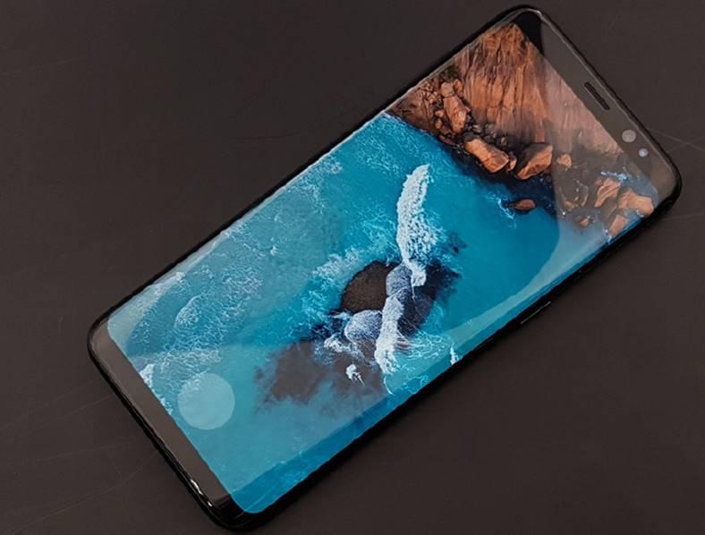 Samsung Galaxy Note 8 design nou ecran