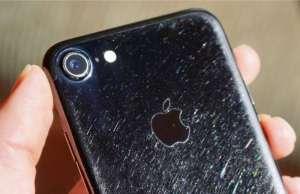 iPhone 7 jet black urat folosire carcasa