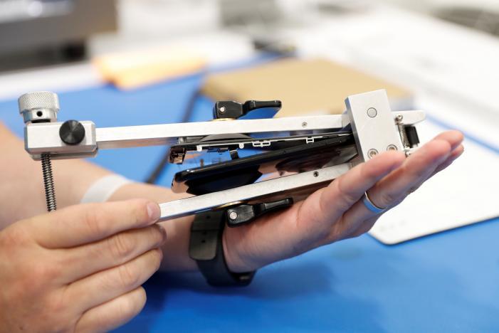 masina reparare ecran iPhone 6