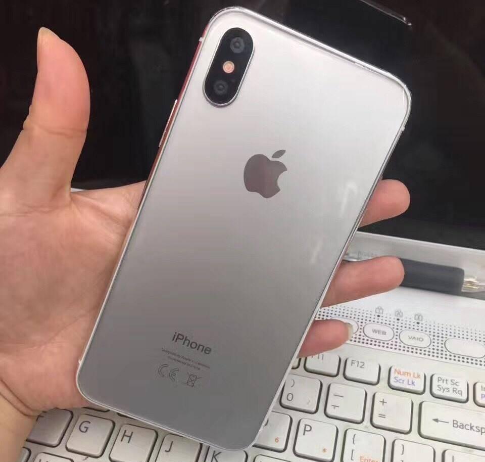 iPhone 8 argintiu design 1