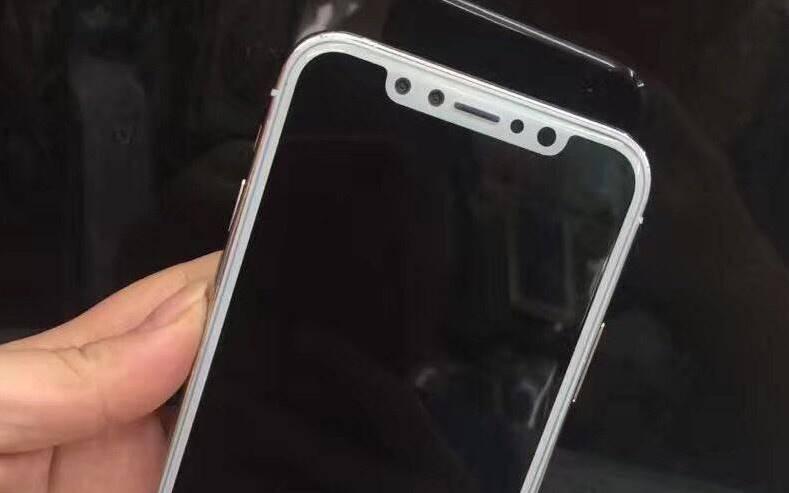 iPhone 8 argintiu imagini