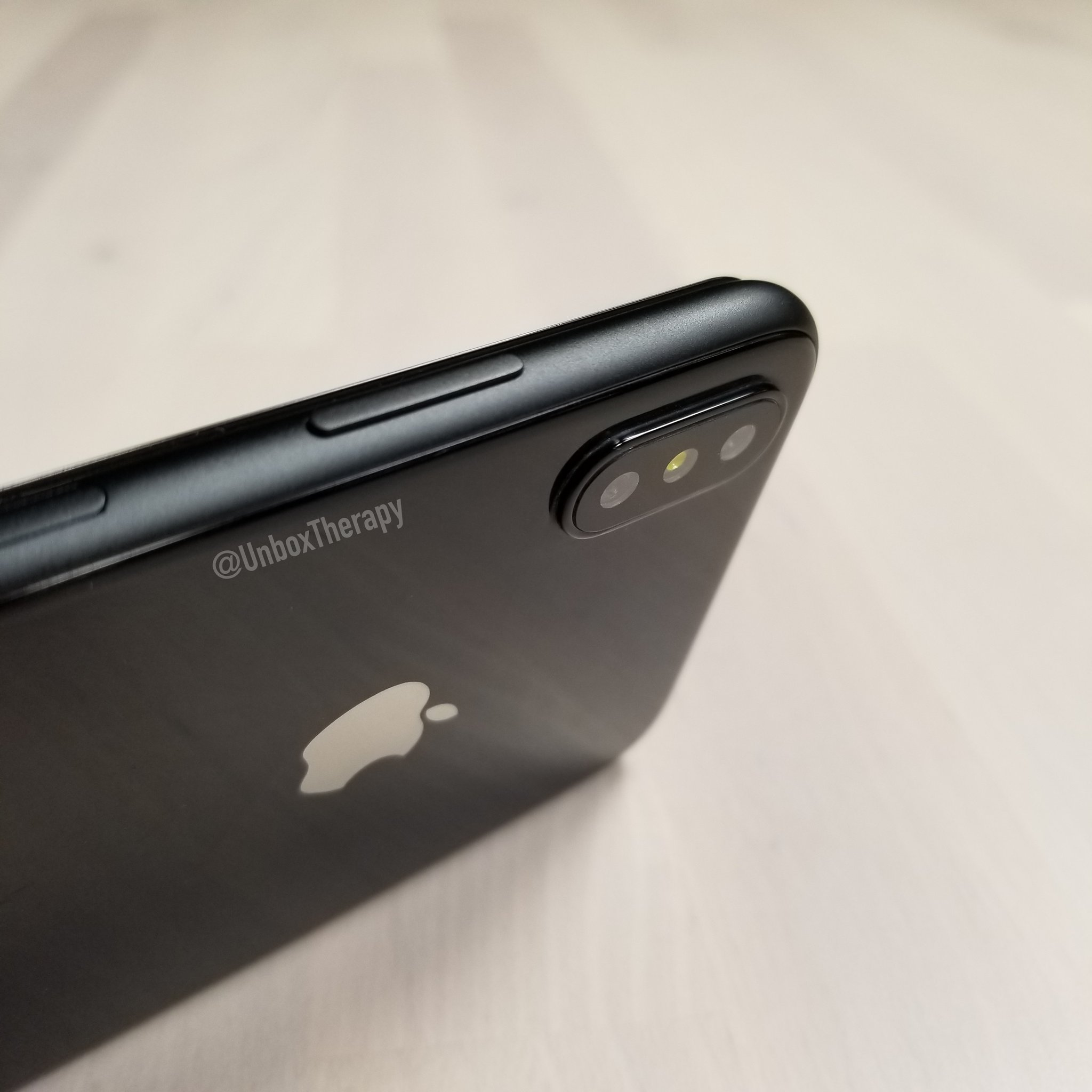 iPhone 8 inalta rezolutie 3