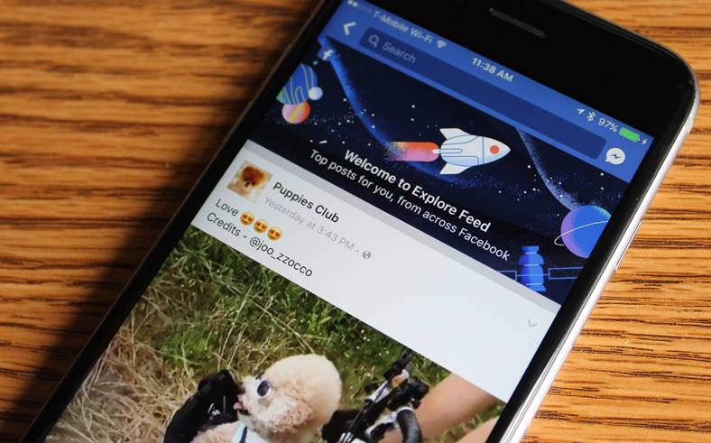 Facebook Noutati News Feed