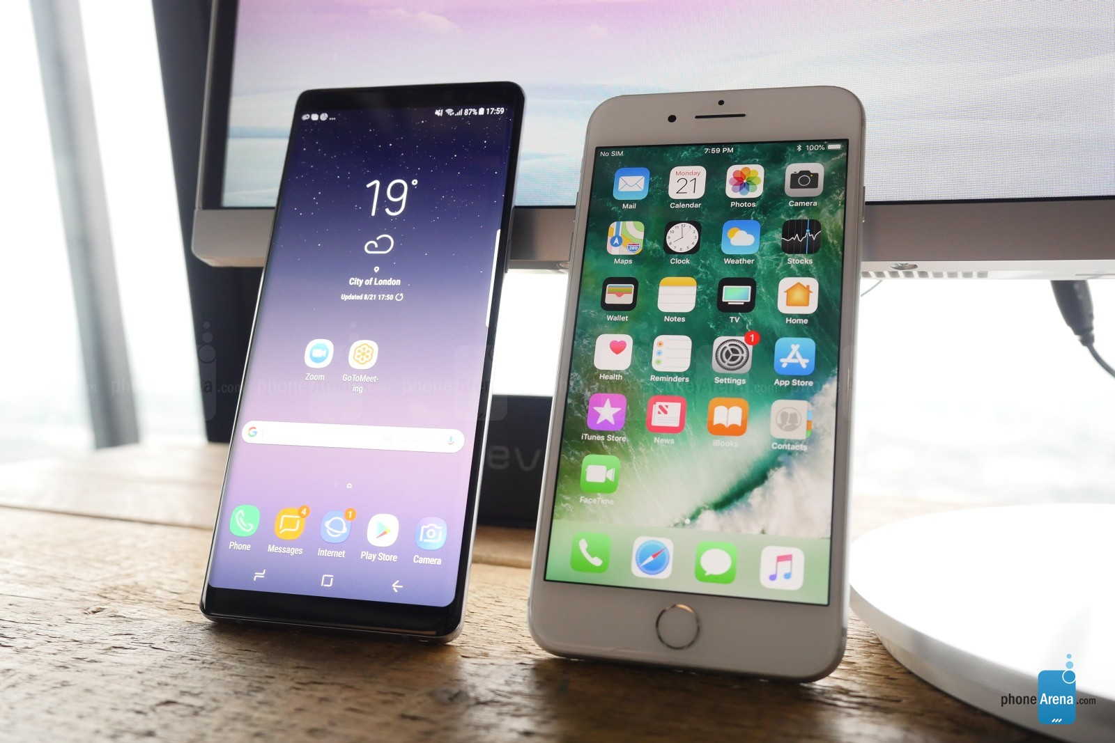 Samsung Galaxy Note 8 comparatie iPhone 7 Plus 1