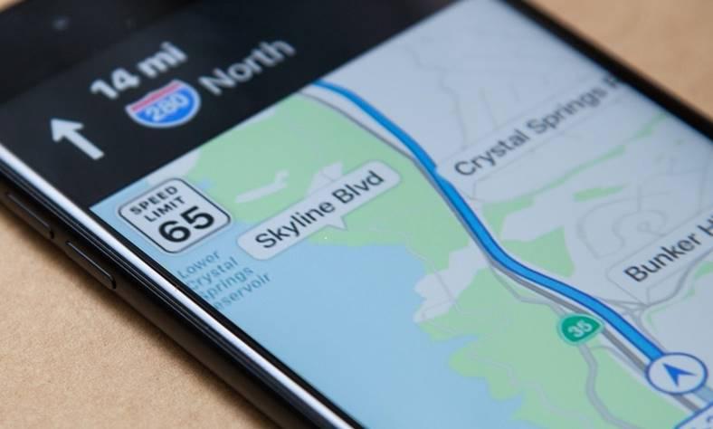 apple angajeaza experti cartografiere