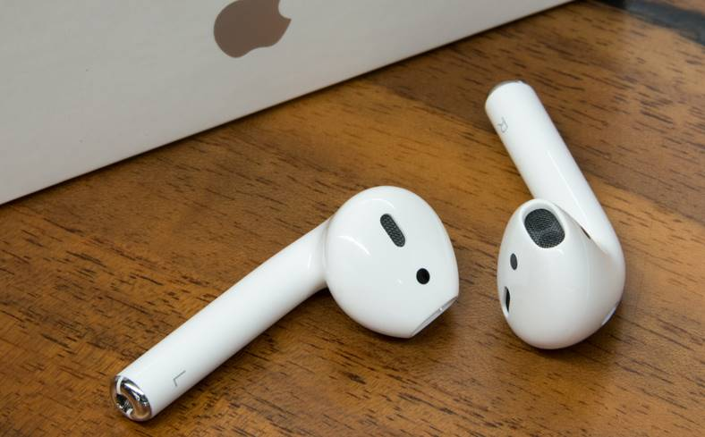 AirPods 1.2 Lansate Apple iPhone 8