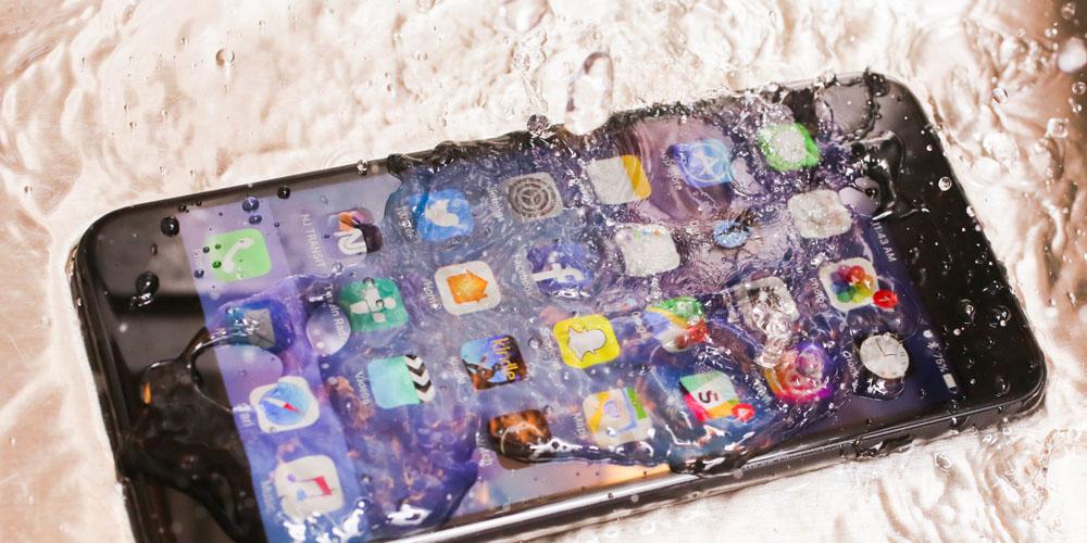 Apple Repara Gratuit iPhone-urile Distruse de Uraganul Harvey