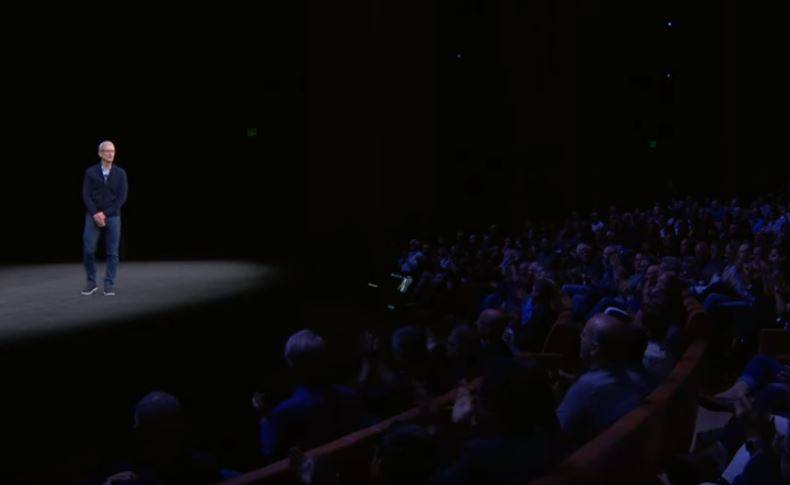 iPhone X iPhone 8 Noutatile 15 Minute