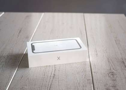 iPhone X unboxing 3D 3