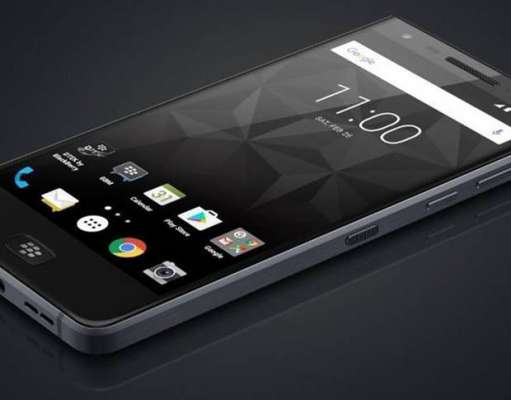 Blackberry Motion Concurent iPhone 8