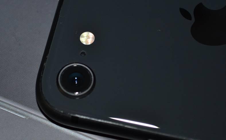 iPhone 8 Hasselblad X1D