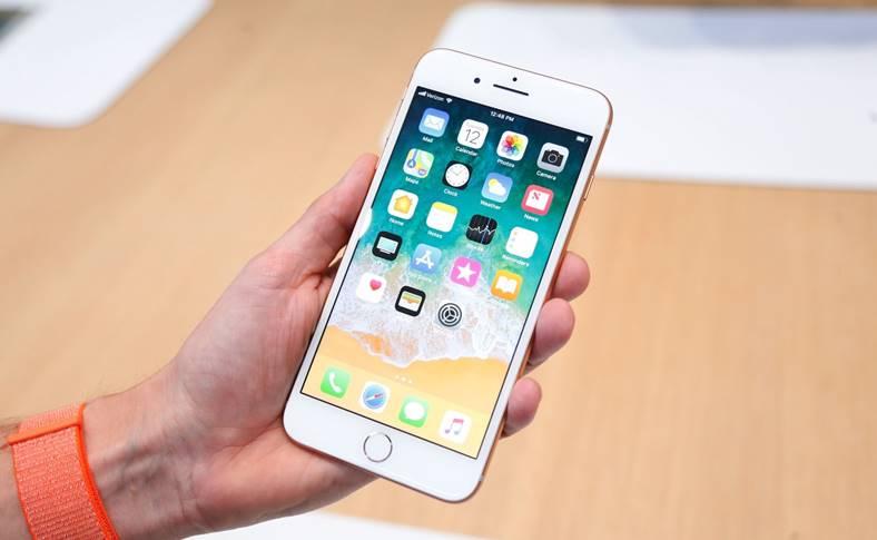 iPhone 8 Plus popular