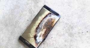 iPhone 8 Rezista Samsung Explodeaza Fata Barbat