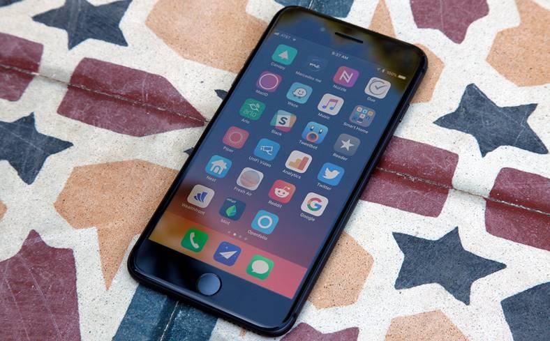 iPhone 8 Treia Baterie Umflata