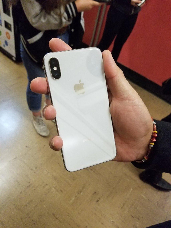 iPhone X imagini 4