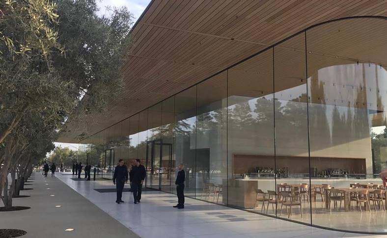 Apple Park deschidere