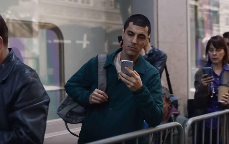 Samsung ironizeaza iPhone X