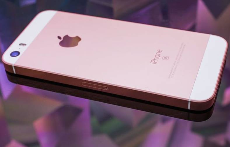 eMAG iPhone SE Redus 800 LEI Black Friday