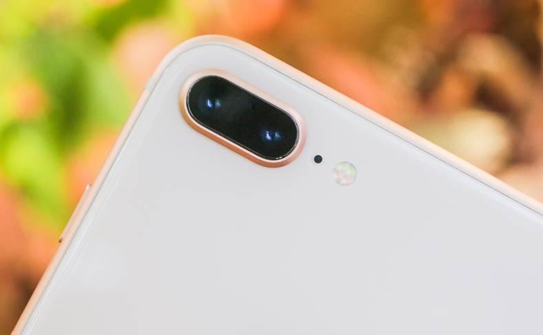 iPhone 8 Plus proces Apple