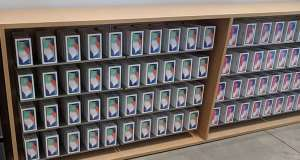 iPhone X cantitati magazine