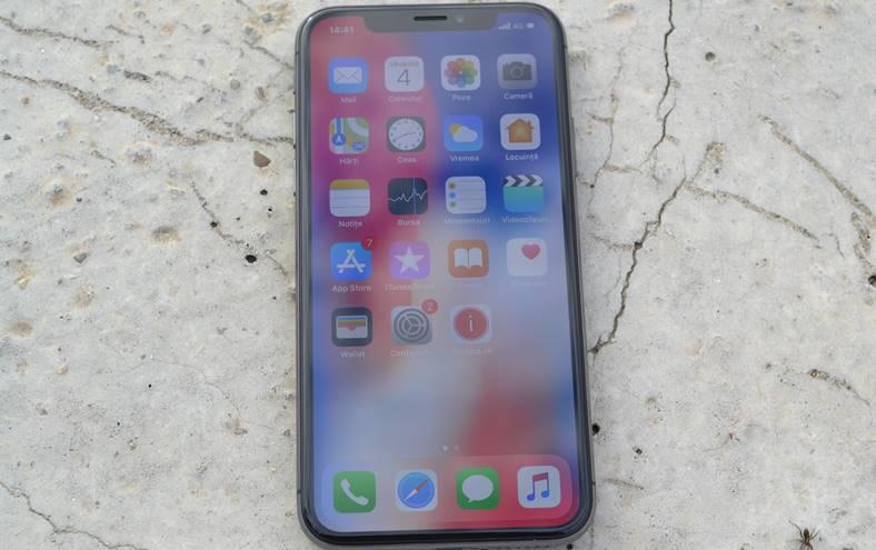 iPhone X ecranul oled