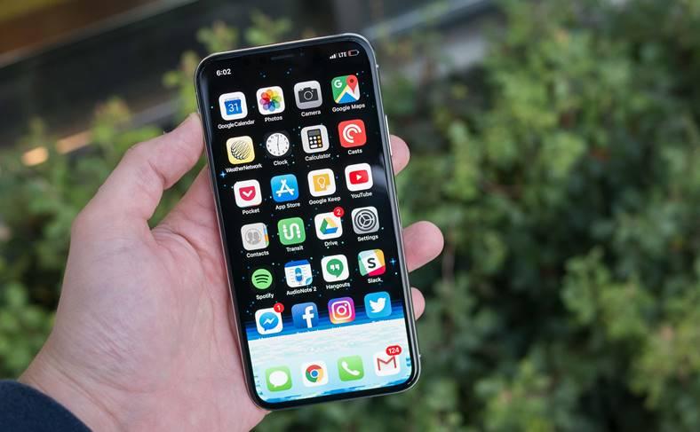 iPhone X prima dezasamblare