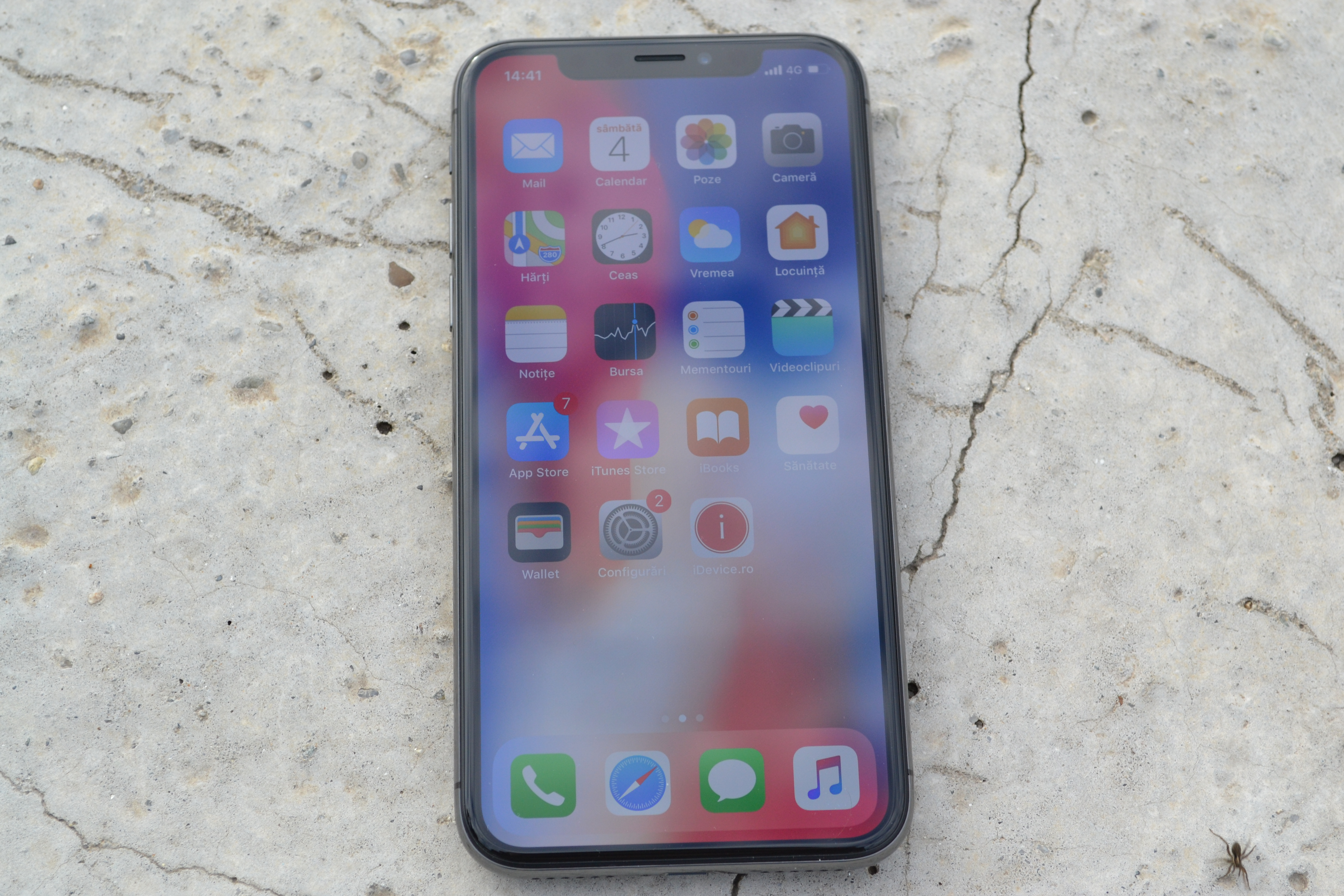 iPhone X review design