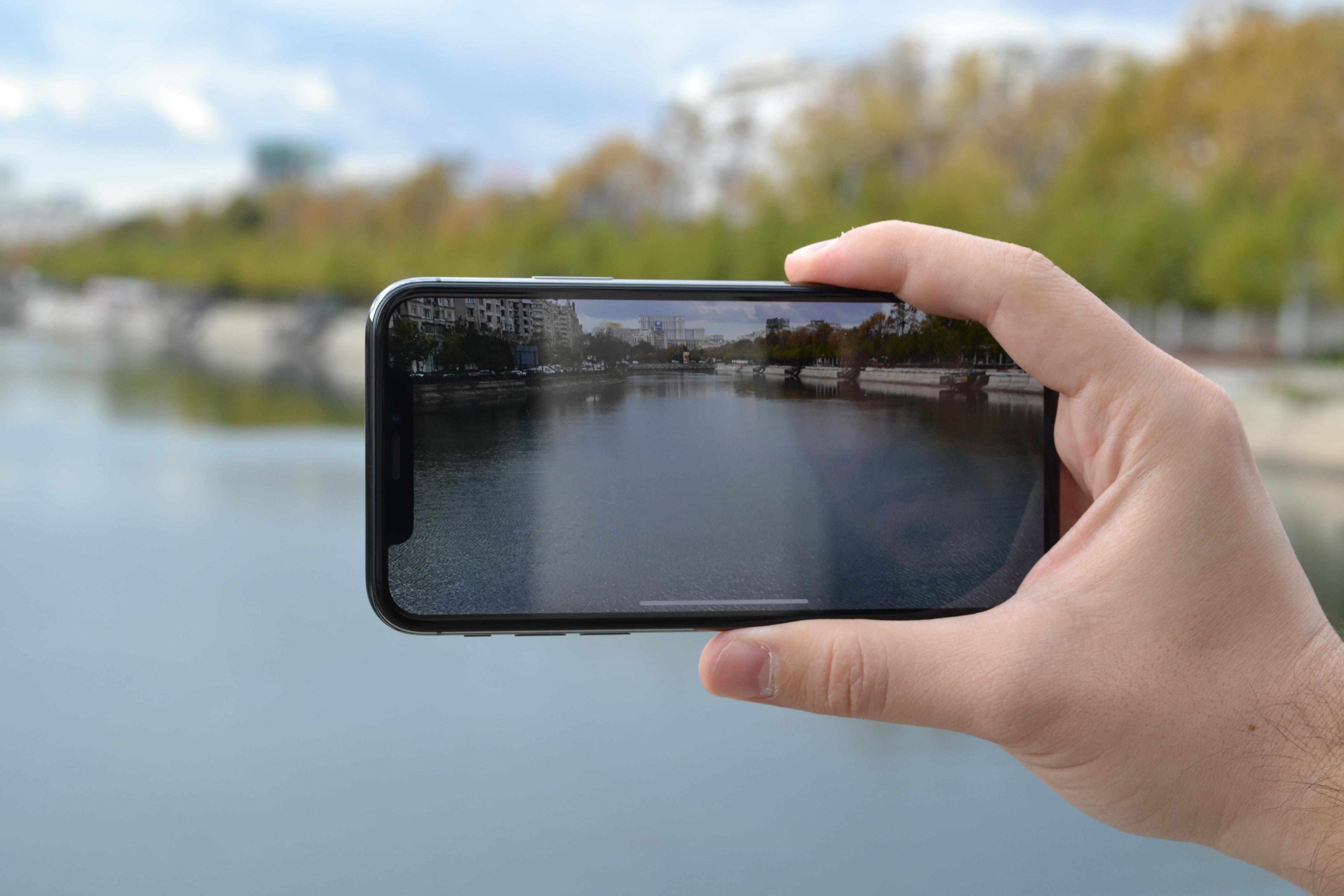 iPhone X review imagini ecran