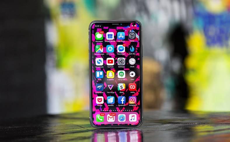 iPhone X scapi decupaj