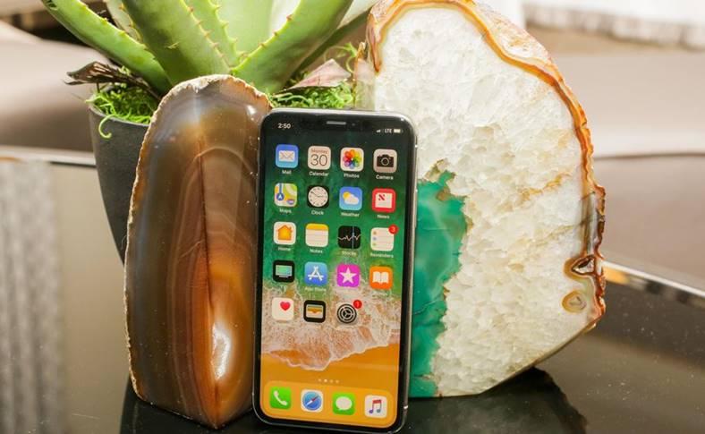 iPhone x numar precomenzi