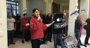 Apple Store protest impozite