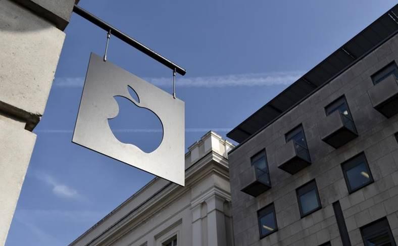 Apple amenda documente proces