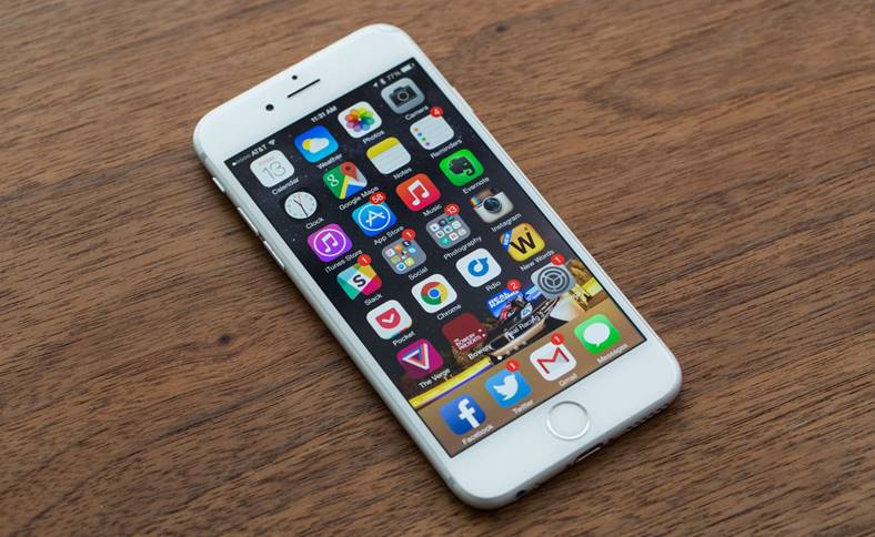 Apple limiteaza iphone performante cost