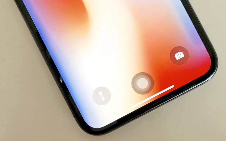 iPhone X ecran OLED LG Apple