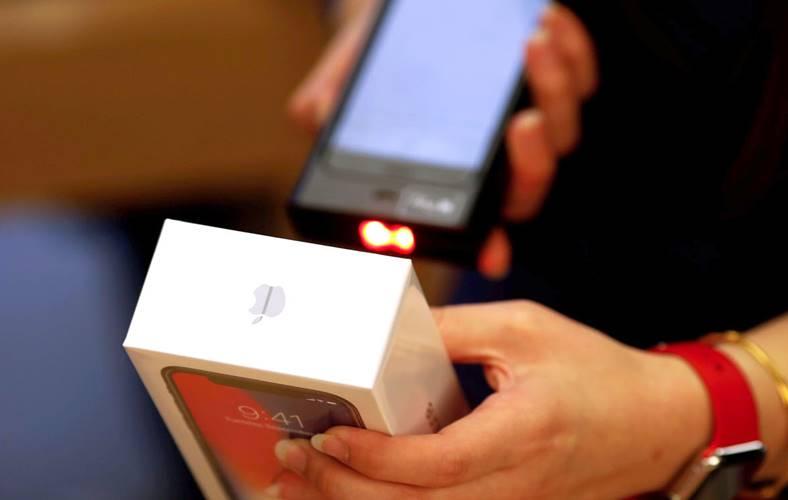 iPhone X india scump