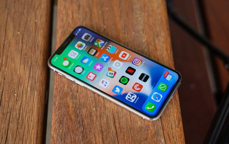 iPhone X investitie camera truedepth