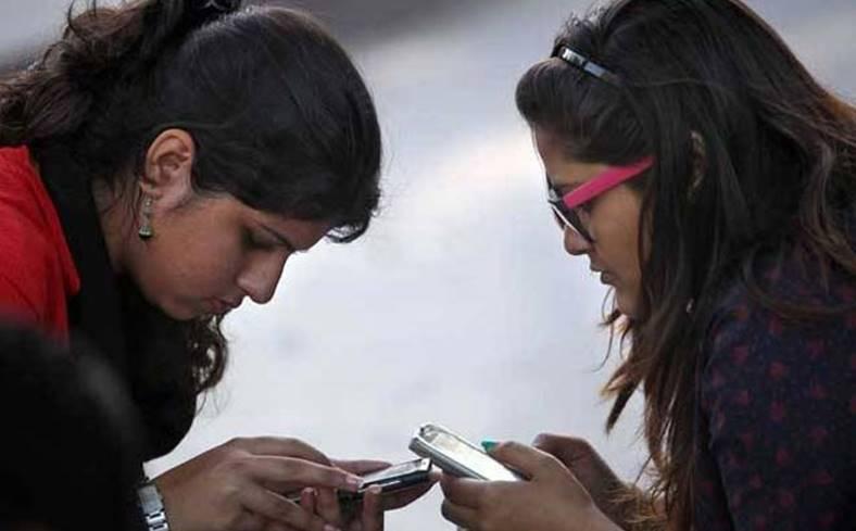 Apple iPhone tineri smartphone