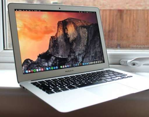 apple renunta macbook air
