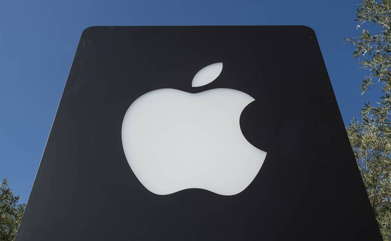 Apple Investeste Ecrane OLED