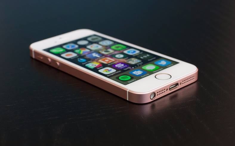Flanco iPhone SE Reduceri 700 LEI
