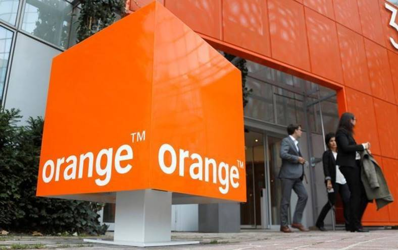 Orange. 4 februarie. Profita Oferte Valentines Day