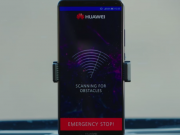 huawei condus masina smartphone