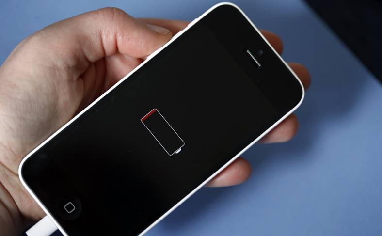 iPhone Probleme Inlocuirea Bateriilor